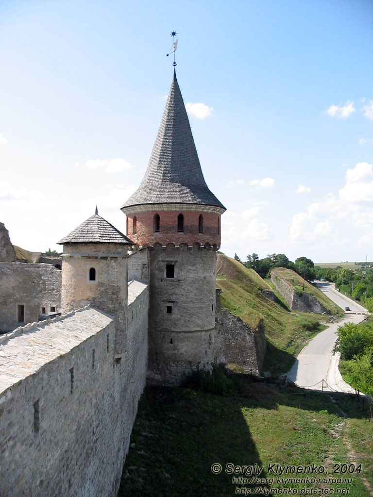 Кам'янець-Подільський, липень 2004 року. Старий Замок ...